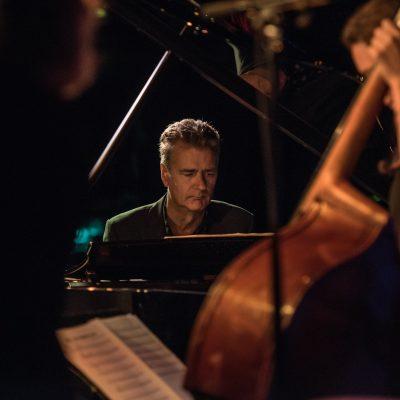 The Alex Webb Trio Feat. Jazz Singer/Saxophonist Sandra Mae